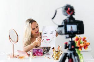Tips Menjadi Blogger Profesional